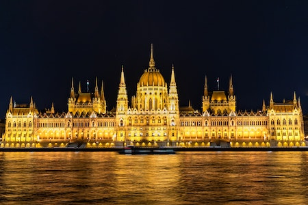 premiere travel planners best season to travel fall hungary